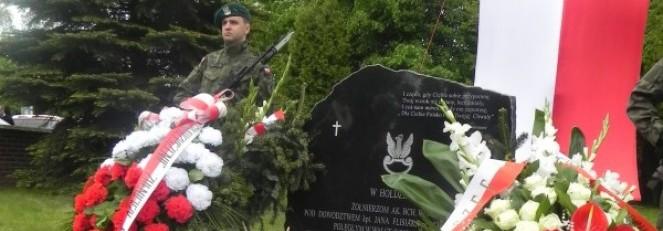 Relacja z uroczystości religijno-patriotycznej odsłonięcia pomnika
