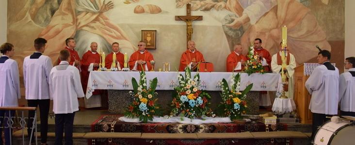 Parafia polskokatolicka p.w. św. Jana Chrzciciela w Świeciechowie Dużym w niedzielę 24 czerwca świętowała 90-lecie istnienia.