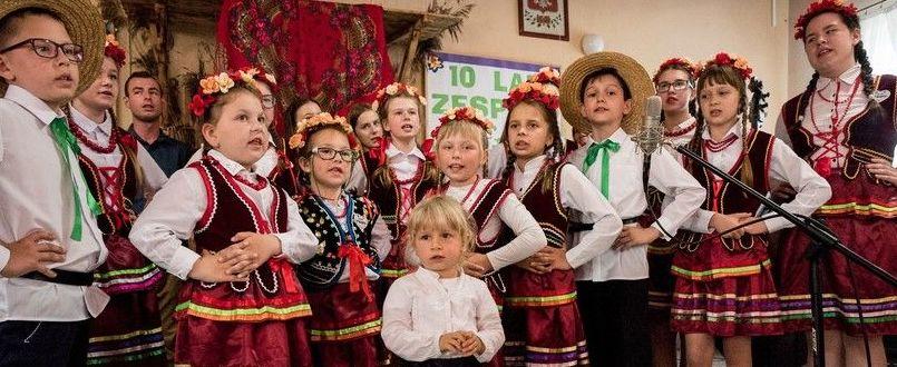 """JUBILEUSZ 10-LECIA ZESPOŁU """"KRZEMIEŃ"""""""