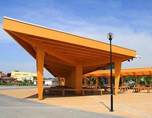 Przebudowa targowiska miejskiego przy ul. Niepodległości w ramach projektu Mój Rynek.