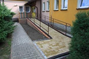 Wymiana pokrycia dachowego na budynku Miejskiego Przedszkola nr 3  przy ul. 15 P.P. Wilków w Dęblinie oraz budowa podjazdu dla osób niepełnosprawnych.