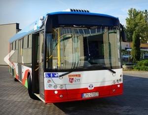 Informacja dotycząca biletów na przejazd komunikacją miejską w Dęblinie.