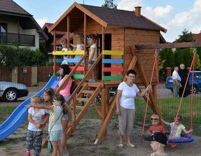 Uroczyste otwarcie placu zabaw na osiedlu Żwica.