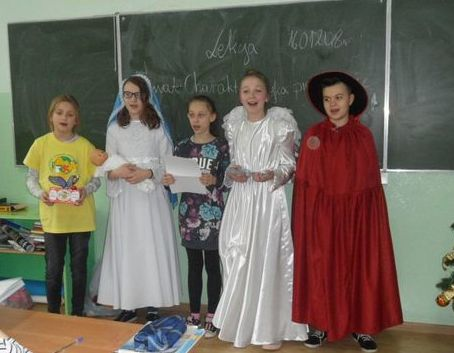 Kolędnicy Misyjni na os. Staszica i w SP nr 5