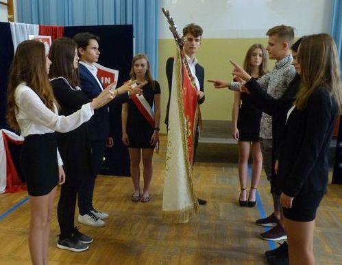 Ślubowanie i otrzęsiny klas pierwszych w ZSO