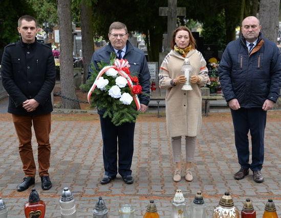 Włodarze Miasta Dęblin odwiedzili miejsca Pamięci Narodowej