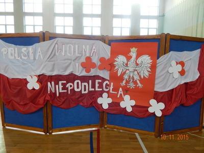 Gimnazjaliści świętowali niepodległość!