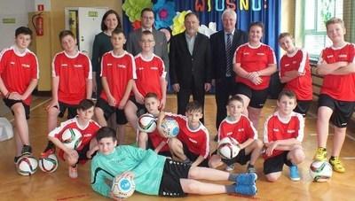 Nowe stroje sportowe dla uczniów z Tuszowa