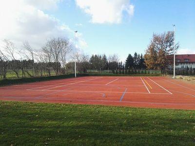 Nowy kompleks boisk sportowych przy szkole w Jabłonnie