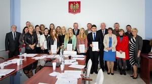 Stypendia Wójta Gminy Niemce wręczone na XLIII sesji Rady