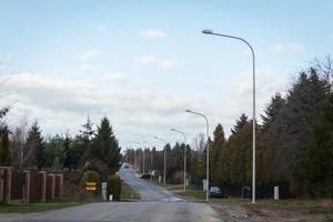 Budowa oświetlenia w Elizówce w kierunku bloków