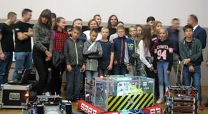 Uczniowie z Dysa rozpoczynają przygodę z robotyką