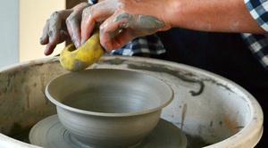 ZAPROSZENIE: Warsztaty ceramiki artystycznej i garncarstwa ludowego