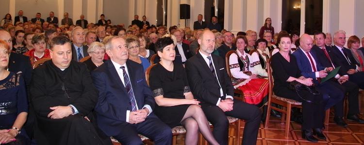 Artyści i animatorzy Ziemi Puławskiej z nagrodami Starosty!