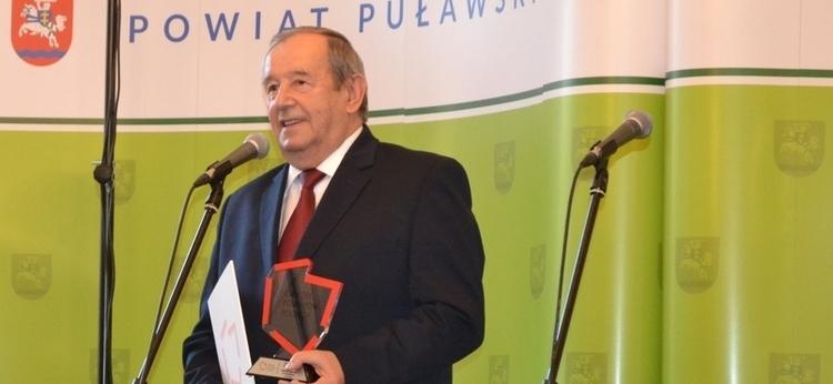 """Starosta Witold Popiołek """"Samorządowcem XX-lecia"""""""