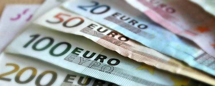 Informacja dla stowarzyszeń i fundacji dot. płatności o wartości równej lub przekraczającej 10 tys. euro