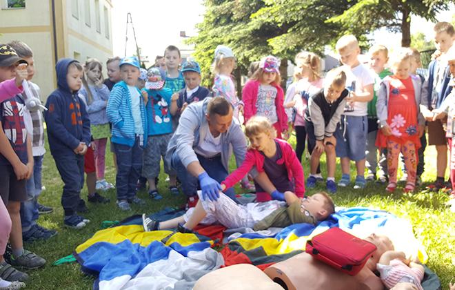 Uczniowie z ZSZ nr 1 w Rykach poprowadzili zajęcia z pierwszej pomocy