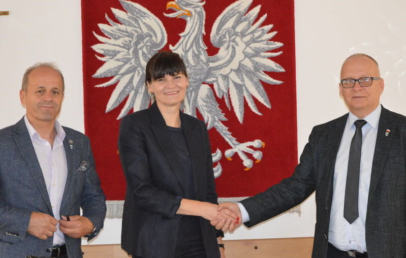 """Podpisanie umów na realizację projektu pn """"Termomodernizacja budynków użyteczności publicznej stanowiących własność Powiatu Ryckiego"""""""