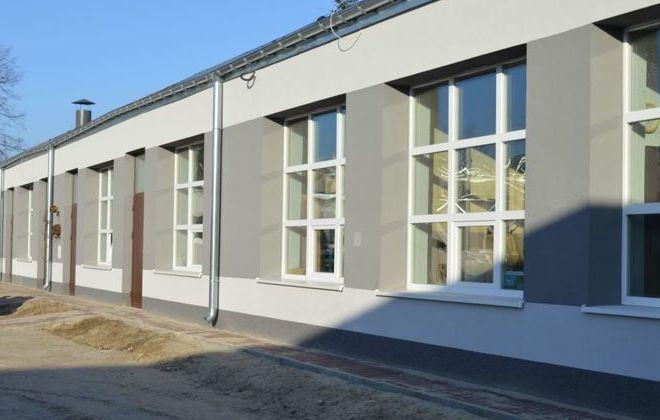 Odbiór budynku pracowni zajęć praktycznych przy Zespole Szkół Zawodowych Nr 1 im. gen. F. Kleeberga w Dęblinie