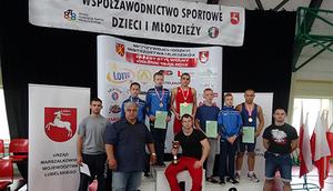 Sukcesy na Mistrzostwach Makroregionu C w zapasach w stylu wolnym Młodzików