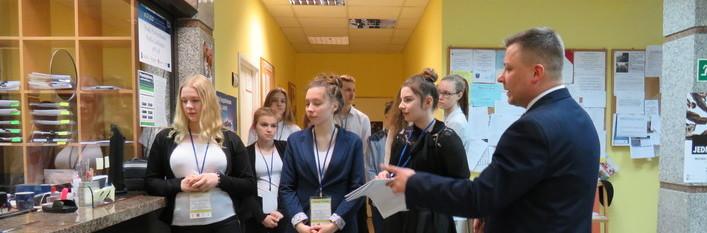 Młodzież z terenu naszej gminy z wizytą u pana Wójta
