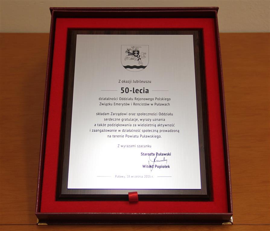 Gratulacje Starosty Puławskiego dla Oddziału Rejonowego Polskiego Związku Emerytów i Rencistów w Puławach z okazji Jubileuszu 50-lecia