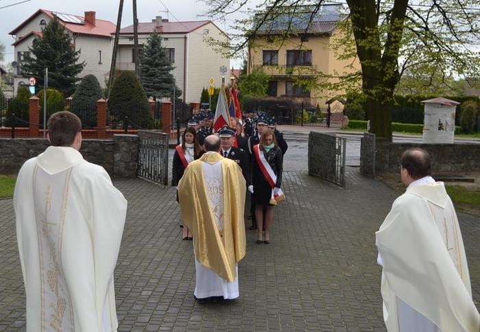 GMINNE OBCHODY 1050-LECIA CHRZTU POLSKI