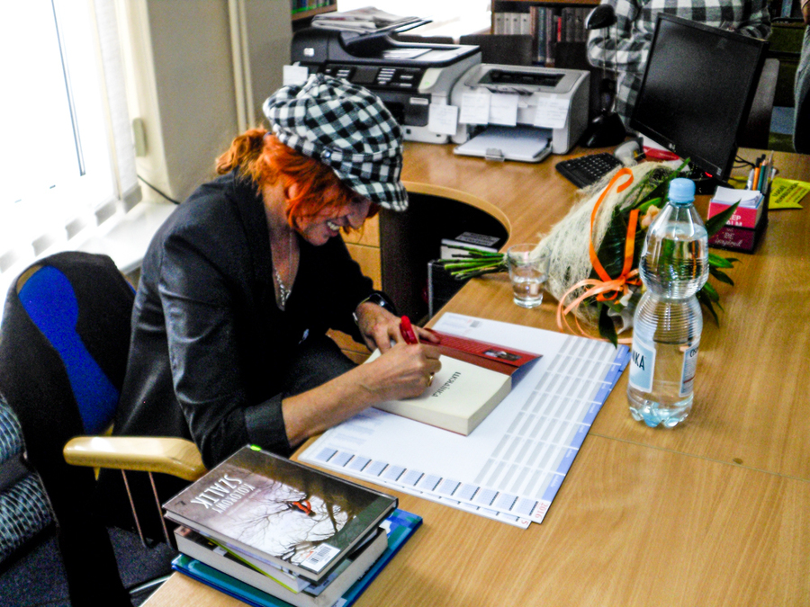 Spotkanie z Barbarą Kosmowską w MIejskiej Gminnej Bibliotece Publicznej