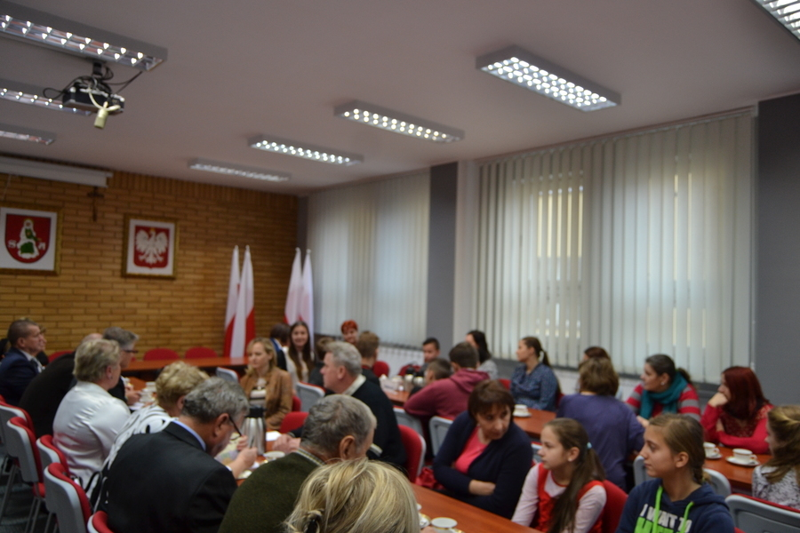 Samorządy Uczniowskie, Rodzice, Nauczyciele i Dyrektorzy na spotkaniu z Komisją Oświaty, Kultury, Zd
