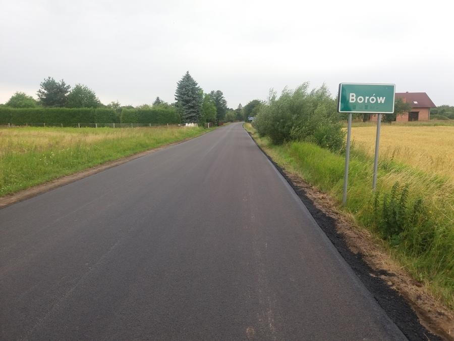 <p>Przebudowa drogi powiatowej nr 2713L Zaklików - Borów. Wartość zadania 183 033,84 zł, udział finansowy Gminy 91 516,92 zł.</p>