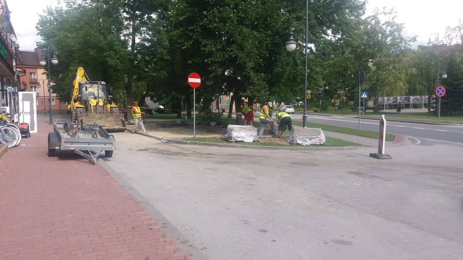 <p>Wykonanie parkingu przy budynku Urzędu Miejskiego w Annopolu</p>