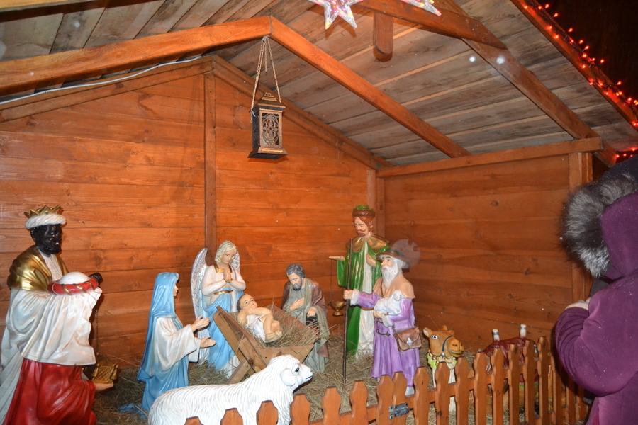 UROCZYSTE PRZENIESIENIE FIGURKI DZIECIĄTKA JEZUS DO SZOPKI