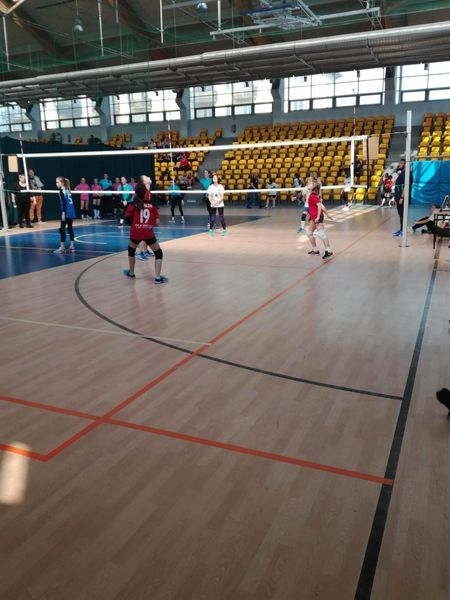 Świętokrzyskie Minivolley Cup 2019: Zabawa i poważna gra w minisiatkówkę na hali w Skarżysku-Kamiennej