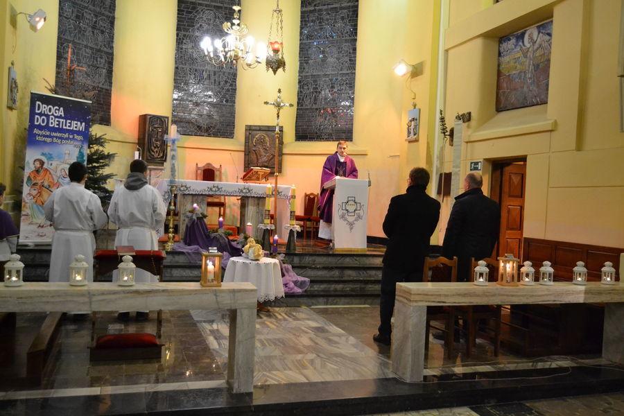UROCZYSTE PRZENIESIENIE FIGURKI DZIECIĄTKA JEZUS DO SZOPKI NA ANNOPOLSKIM RYNKU
