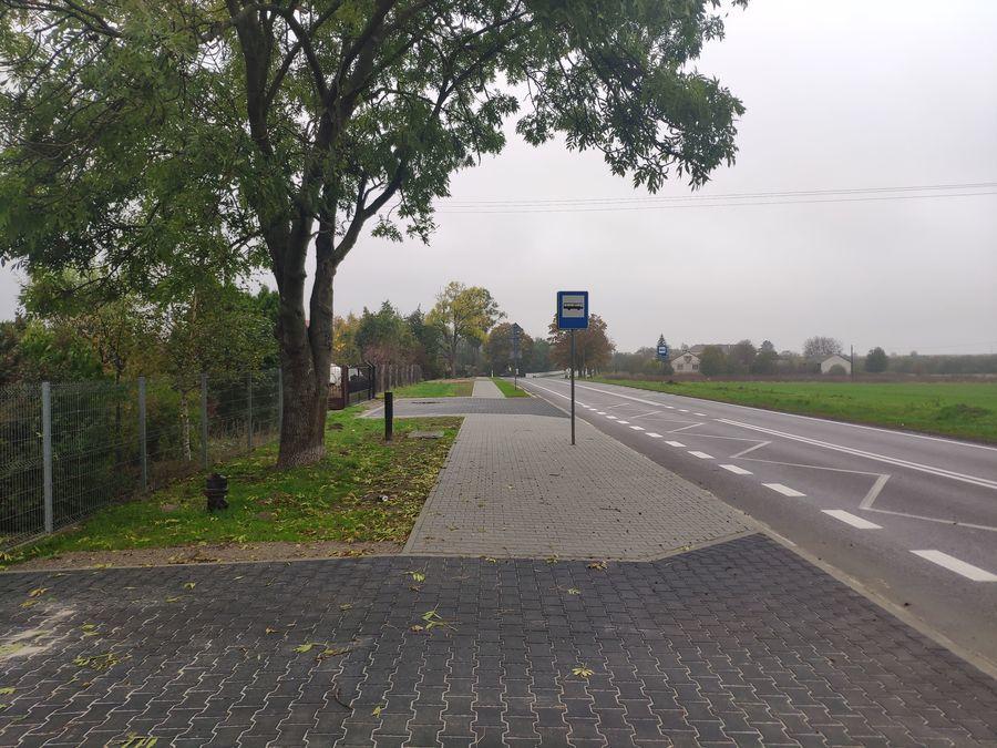 Zjazdy do posesji w ciągu wyremontowanego chodnika w Annopolu
