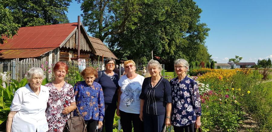 Seniorzy w Krainie Rumianku