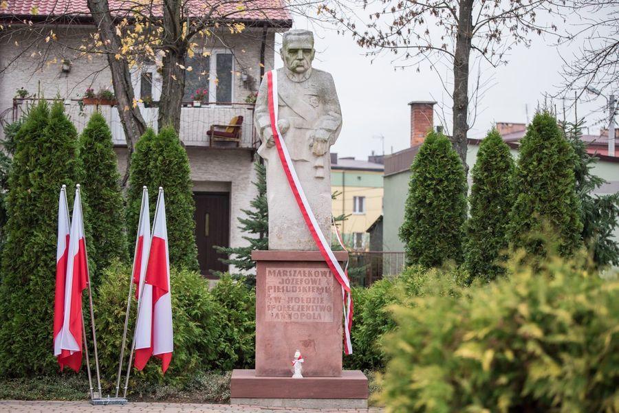 Pomnik Marszałka Józefa Piłsudskiego na annopolskim Rynku