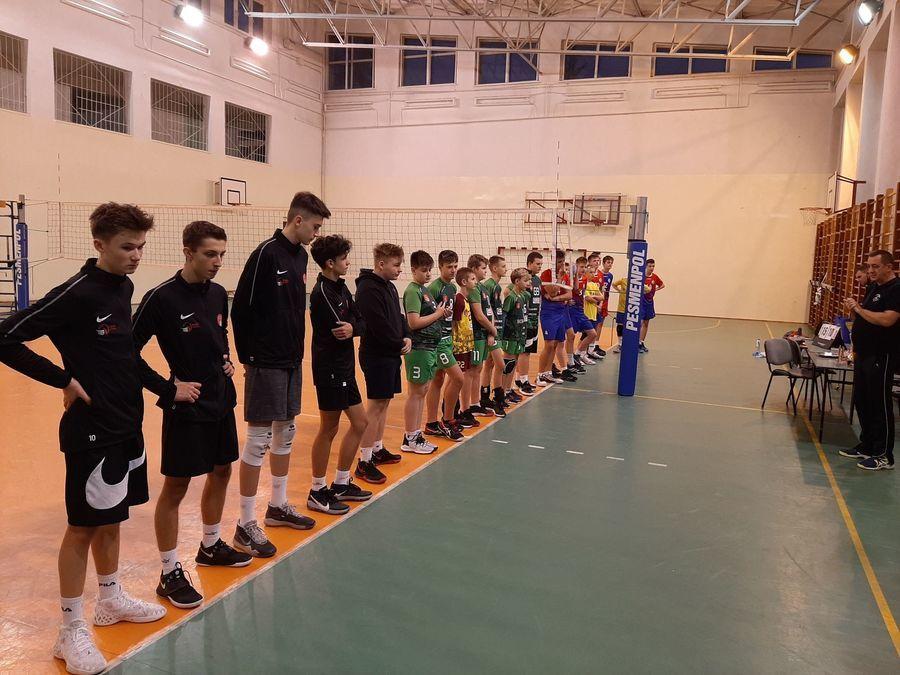 Uczestnicy II Wojewódzkiego Turnieju Piłki Siatkowej w kat. młodzików.