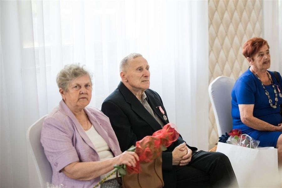 Jubilaci podczas uroczystości 50-lecia Pożycia Małżeńskiego