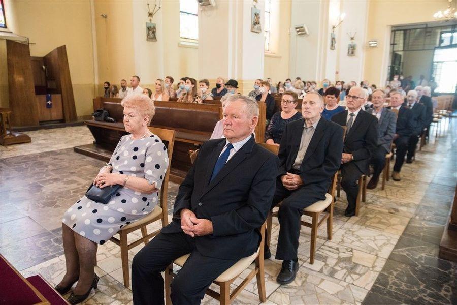 Państwo Marta i Zdzisław Libor podczas Mszy Św. z okazji Jubileuszu 50-lecia Pożycia Małżeńskiego