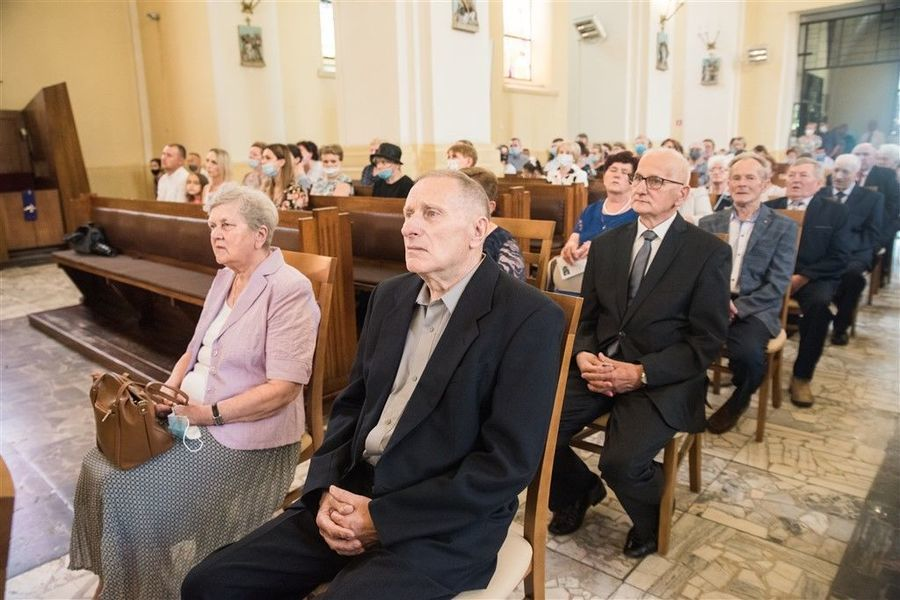 Państwo Kazimiera i Jan Serafin podczas Mszy Św. z okazji Jubileuszu 50-lecia Pożycia Małżeńskiego.