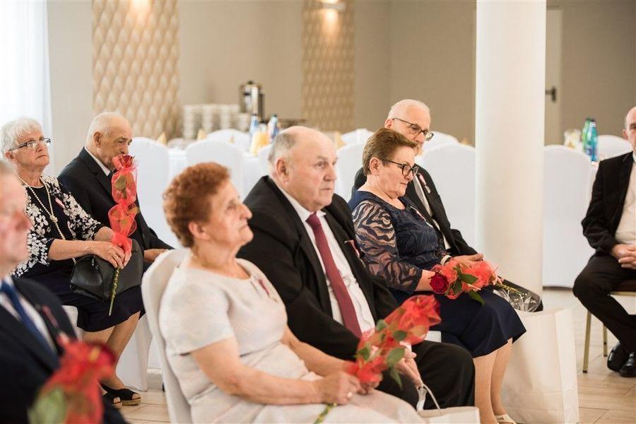 Jubilaci podczas uroczystości 50-lecia Pożycia Małżeńskiego.
