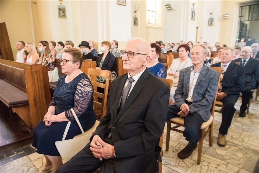 Państwo Anna i Ryszard Gazda podczas Mszy Św. z okazji Jubileuszu 50-lecia Pożycia Małżeńskiego.