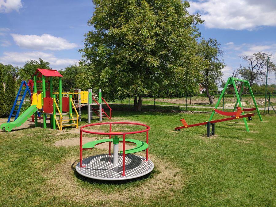 Plac zabaw w Janiszowie