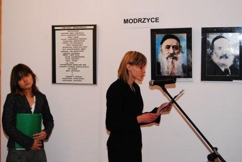 Wernisaż wystawy autorstwa Magdaleny Iwaniec NIE MA JUŻ TEGO MIASTECZKA