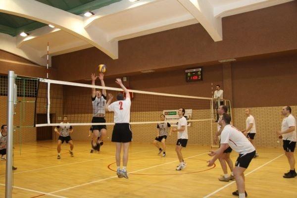 Finał Miejskiej Ligi Piłki Siatkowej 2010/11 pod patronatem Burmistrza Miasta Dęblin