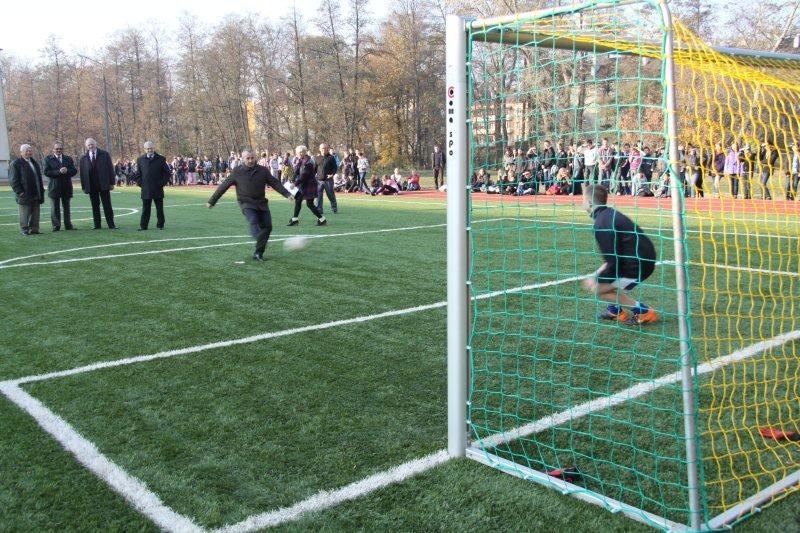 Otwarcie kompleksów boisk sportowych wybudowanych w ramach projektu pn. Budowa osiedlowych stref spo