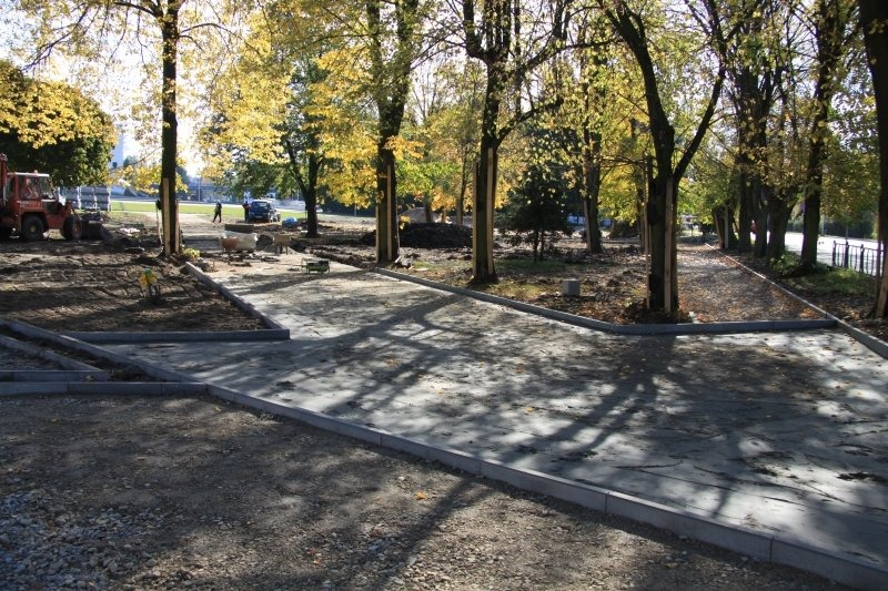 Park przy placu Orląt Dęblińskich
