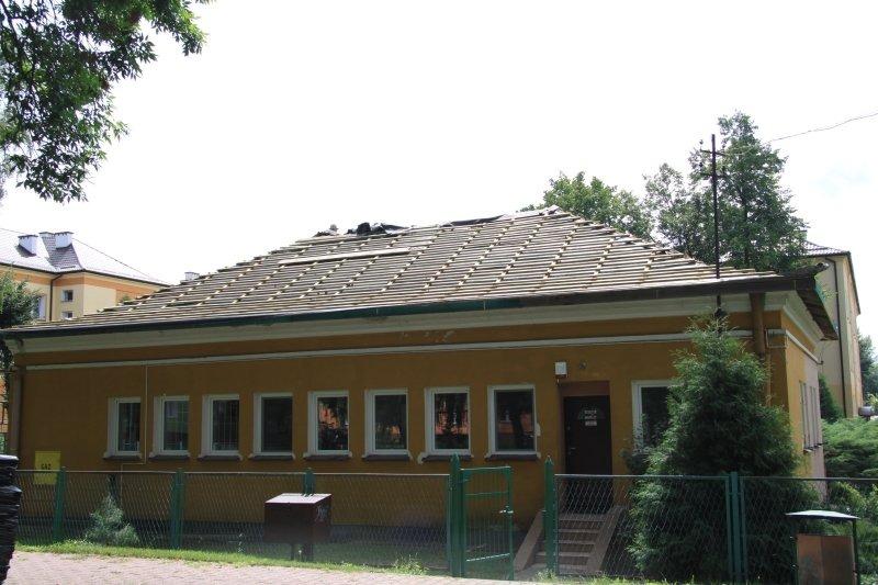 Wymiana pokrycia dachowego na budynku Miejskiego Przedszkola nr 3  przy ul. 15 P.P. Wilków w Dęblini