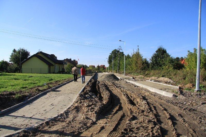 Przebudowa i budowa ulic w os. Lipowa w Dęblinie